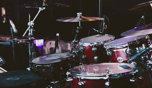 Algunhas agrupacións musicais axudan a manter viva a lingua córnica