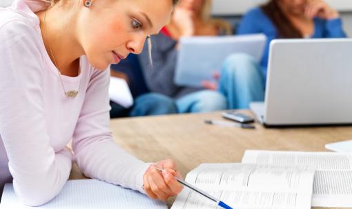 Segundo un informe, case 2000 persoas aprenden galego en 16 países estranxeiros