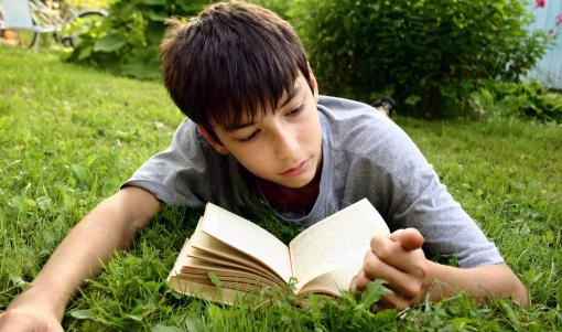 O Concello de Pamplona fomenta a lectura en éuscaro