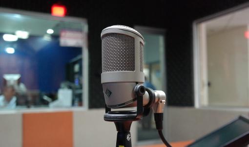 As autoridades chinesas queren que Macau cree un centro de tradución de programas de radio e televisión en portugués