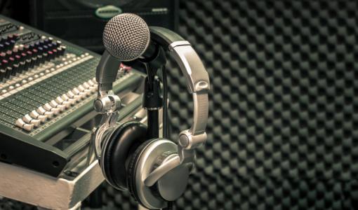 La Radio Gallega emitirá en el Día de las Letras los trabajos de los centros ganadores del Concurso de Podcasts elaborados en la biblioteca escolar