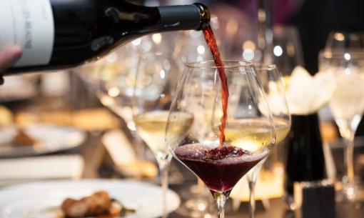 O Goberno balear fomenta o uso do catalán en bares e restaurantes