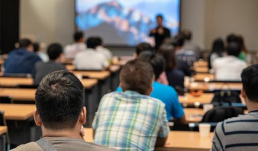 Máis do 90% do profesorado da Universidade de Valencia conta cunha acreditación C1 ou C2 en lingua valenciana